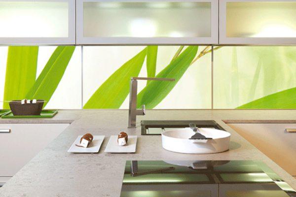 Küchenrückwand Glas | Miele Center Höpperger Küchen Innsbruck | Küchen Tirol