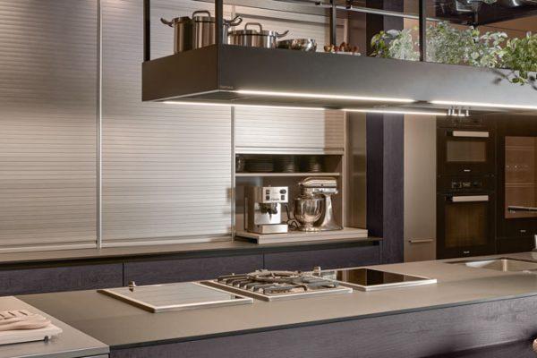 Funktionale Küchen Lösungen im Miele Center Höpperger