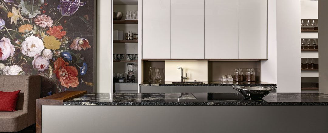 KH Küchen: durch stufenlose Korpusbreiten wird jede Küche ein Unikat