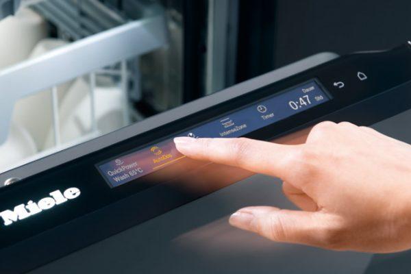 Einfache Touch-Bedienung des Miele G 7000 Geschirrspülers