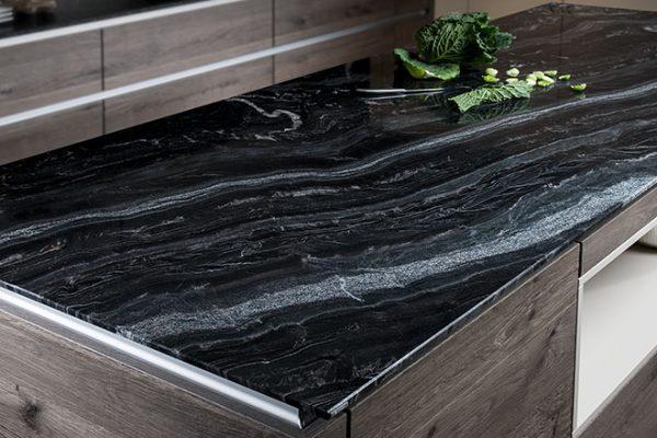 Küchenarbeitsplatten Strasser Naturstein Schiefer Marmor | Miele Center Höpperger Küchen Innsbruck | Küchen Tirol