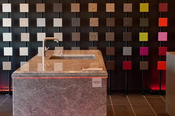 Küchenarbeitsplatten Silestone Naturstein Schiefer Marmor | Miele Center Höpperger Küchen Innsbruck | Küchen Tirol