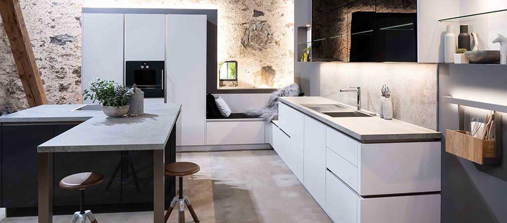 Warendorfküche W1 Carbon | Miele Center Höpperger Küchen Innsbruck | Küchen Tirol
